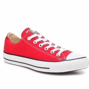 Chuck Taylor All Star red size 6